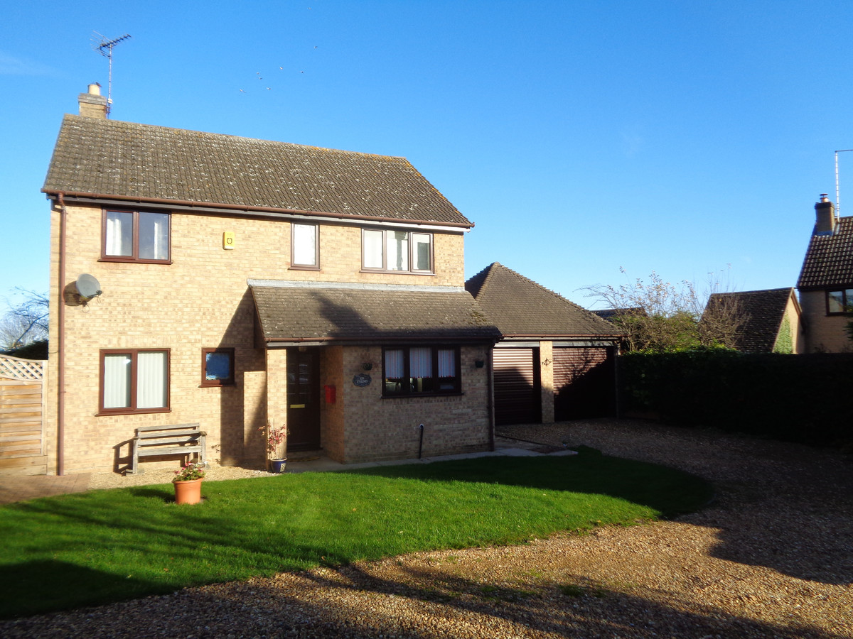 Detached, Four Bedroom Extended Family House, Double Garage